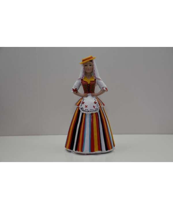 Figura traje típico (maga) 16 cm