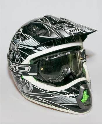 Casco motocross THH Negro talla M + Gafas AXO