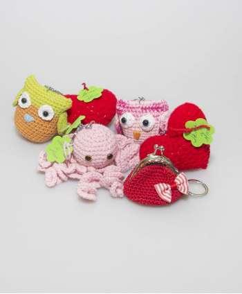 Carteras y llaveros de crochet