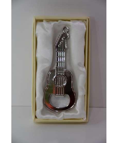 Abrebotellas con forma de guitarra
